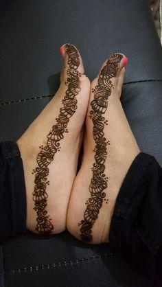 Cute henna design on feet