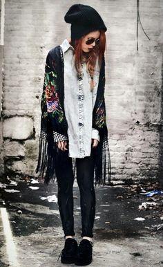 .hippie vintage kimono, oversized grunge dress shirt. i love this kimono so much
