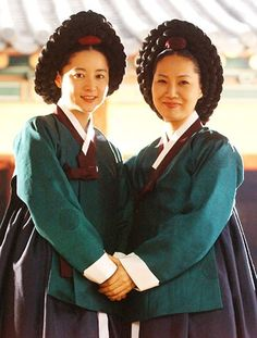 """Dae Jang Geum(Hangul:대장금;hanja:大長今;RR:Dae Jang-geum;MR:Tae Chang-gǔm; literally """"The Great Jang-geum""""), also known asJewel in the Palace, is a 2003 Korean television series.StarringLee Young-aein the title role, it tells the tale of an orphaned kitchen cook who went on to become the king's first female physician. 한상궁 Korean Hanbok, Korean Dress, Korean Star, Korean Girl, Dae Jang Geum, Korean Traditional Dress, Lee Young, Beautiful Asian Girls, Korean Beauty"""