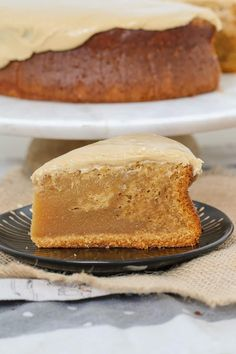 Our easy Caramel Mud Cake is just so simple to make. Melt, mix and bake. Smother with our yummy caramel frosting for the ultimate caramel mud cake! White Chocolate Icing, Chocolate And Vanilla Cake, Caramel Mud Cake, Caramel Frosting, Sweet Recipes, Cake Recipes, Dessert Recipes, Yummy Recipes, Recipies