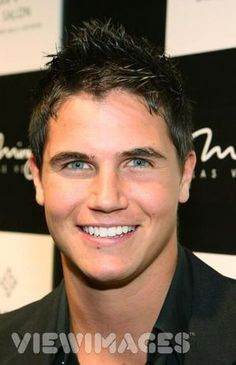 Robbie Amell...I feel for his eyes and his smile!! So adorable!