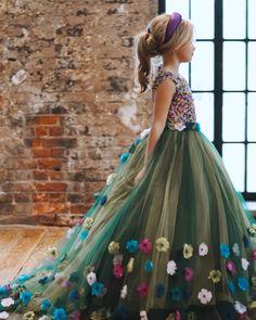 Blush Flower Girl Dresses, Girls Maxi Dresses, Baby Girl Dresses, Baby Dress, Dress Outfits, Little Girl Gowns, Gowns For Girls, Frocks For Girls, Baby Christening Dress