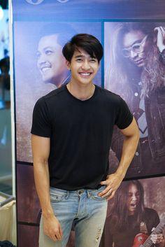 Asian Boys, Asian Men, Line Tv, Theory Of Love, Korean Fashion Men, Asian Actors, Actor Model, Cute Guys, Earthy