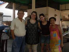een groepsfoto met Vannee en haar man. We hebben in samenwerking met hun een heel leerzame en leuke dag gehad