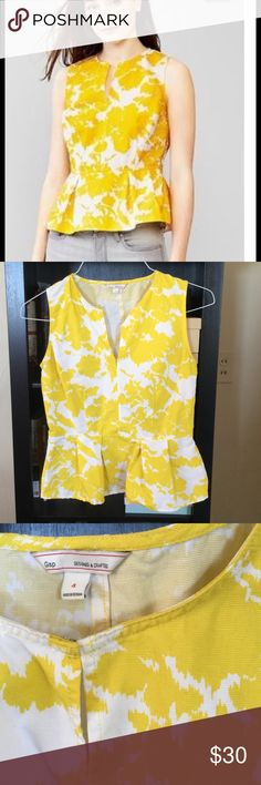 GAP Yellow Peplum Tank - Size 4 Beautiful spring or summer Peplum top with open and close front. Zip size closure for curvy fit. GAP Tops Tank Tops