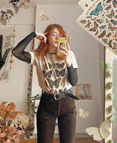MINGAlondon Butterflies In My Stomach Oversized T-shirt 90s Grunge, Grunge Outfits, Retro Outfits, Cute Casual Outfits, Vintage Outfits, Fashion Outfits, Artsy Outfits, Vintage Fashion 90s, Quirky Fashion