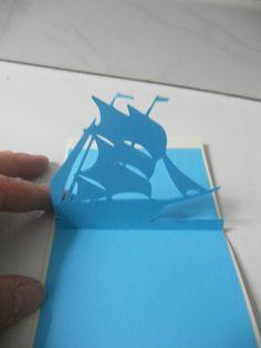 Pour prendre le large, voici un nouveau modèle de kirigami, un voilier à plusieurs voiles!! Offert gentiment par Nerina qui la créé de ses 10 doigts!! ;) Pour le retrouver c'est par ici en format jpg ou silhouette studio! Bonne création à tous!!