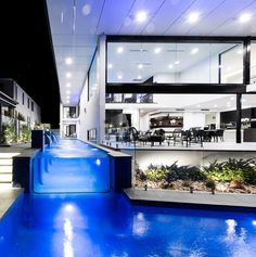 Bribie Contemporary by Robin Payne Building Design 28 - MyHouseIdea First Home Buyer, Bathroom Design Luxury, Cool Pools, Outdoor Life, Building Design, Beautiful Homes, Swimming Pools, Modern Design, Contemporary