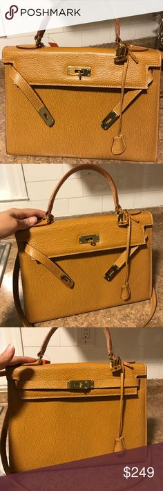 """Beige Hermès Kelly 32 style 2Way bag Beige Kelly style 2Way hand bag. Equivalent size 32 medium handbag. There are no markings, logos or inscriptions anywhere on the bag. The inside simply reads """"Made in Italy Genuine Leather."""" Comes with clochette, lock and matching shoulder strap. No dust bag. No trades. Bags Shoulder Bags"""