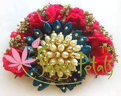 Wedding Garlands, Flower Garlands, Indian Hairstyles, Wedding Hairstyles, Wedding Hair Accessories, Women's Accessories, Diwali Rangoli, Hair Decorations, Flower Jewelry