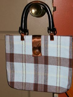purses made from placemats....cute and inexpensive gifts!
