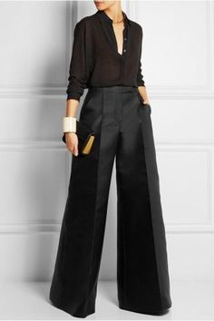I a in love with these wide leg pants. Such a classy outfit., I a in love with these wide leg pants. Such a classy outfit. Casual Work Outfits, Mode Outfits, Work Casual, Classy Outfits, Chic Outfits, Casual Chic, Fashion Outfits, Fashion Tips, Work Fashion