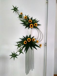 Contemporary Flower Arrangements, Creative Flower Arrangements, Ikebana Flower Arrangement, Church Flower Arrangements, Altar Flowers, Unique Flowers, Fall Flowers, Japanese Flowers, Arte Floral
