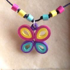 Boucles d'oreille et collier papillons en quilling, papier roulé