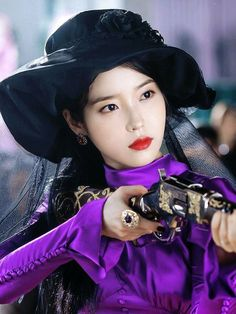 #HotelDelLuna #LeeJiEun #tvN #YeoJinGoo       #IU #Hotel_Del_Luna #tvN #LeeJiEun #YeoJinGoo Asian Actors, Korean Actresses, Korean Actors, Iu Moon Lovers, Iu Twitter, Iu Hair, Euna Kim, Luna Fashion, Korean Shows