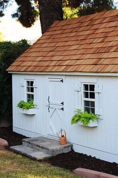 Our New Playhouse | Little Green Notebook | Bloglovin'