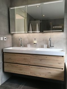 Newest Free of Charge Luxury Bathroom big Suggestions Making certain your bathrooms everyday life approximately the posh artistic connected with the rest Modern Bathroom, Small Bathroom, Master Bathroom, Chic Bathrooms, Bathroom Ideas, Tub Shower Combo, Shower Tub, Corner Tub, Toilet Sink