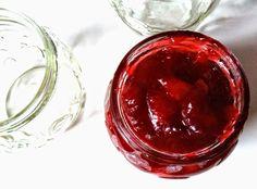 Drink Eat Live: ŻURAWINOWA KONFITURA DO SERÓW I MIĘS / CRANBERRY J... Cranberry Jam, Alcoholic Drinks, Pudding, Vegetables, Live, Glass, Desserts, Food, Tailgate Desserts