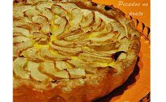 Tarte de maçã com creme pasteleiro - http://www.sobremesasdeportugal.pt/tarte-de-maca-com-creme-pasteleiro/