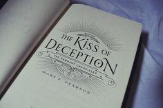 Resenha: The Kiss of Deception - Mary E. Pearson | Cidade das Cerejas: Resenha: The Kiss of Deception - Mary E. Pearson