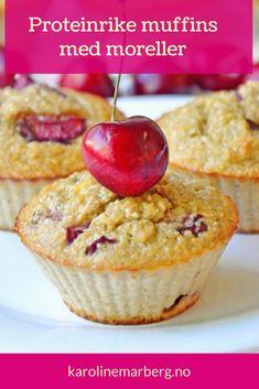 Sukkerfrie og proteinrike muffins med deilige moreller fra Karoline Marberg er en perfekt sommerdessert, som også kan nytes som mellommåltid | Sukkerfri oppskrift | Sukkerfri kake | Sunne oppskrifter | Sukkerfri snacks | Bakeoppskrifter Low Carb Keto, Muffin, Food And Drink, Cupcakes, Dessert, Bra, Baking, Breakfast, Summer Recipes
