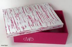 Caixa com técnica de pátina #artesanato #decoração #mdf #madeira #caixadecorada #pátina #organização #caixa #pap #diy #tutorial #rosa #passoapasso #handmade #façavocemesmo #dica #ideiacriativa #diydecor #estêncil #artesanal #corfix #condor #marrispe