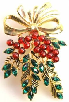 Vintage Monet Christmas brooch