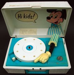 General Electric Mickey Mouse Record Player from the early Vintage Records, Vintage Music, Vintage Toys, Vinyl Junkies, Record Players, General Electric, Childhood Toys, Vinyl Records, Toy Chest