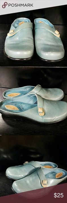 Clark's clogs. Size 6 m The shoes are in great used condition. Refer to the pictures. They are made in Brazil Clarks Shoes Mules & Clogs