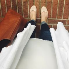 Outfit of the Day {skinny jeans, lc lauren conrad ballet flats, tote bag}