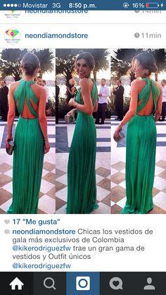 Vestido verde escote