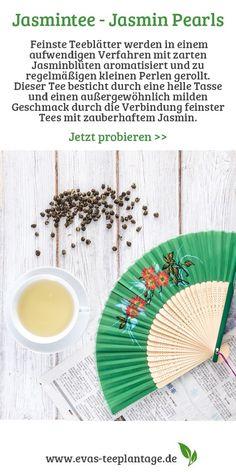 Eine Jasmintee-Spezialität aus Fujian. Feinste Teeblätter werden in einem aufwendigen Verfahren mit zarten Jasminblüten aromatisiert und zu regelmäßigen kleinen Perlen gerollt. Dieser Tee besticht durch eine helle Tasse und einen außergewöhnlich milden Geschmack durch die Verbindung feinster Tees mit zauberhaftem Jasmin. Earl Grey Tee, Types Of Tea, Drinking Tea, Beads