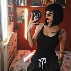 Today we have the most stylish 86 Cute Short Pixie Haircuts. Pixie haircut, of course, offers a lot of options for the hair of the ladies'… Continue Reading → Short Hair With Bangs, Hairstyles With Bangs, Short Hair Cuts, Short Hair Styles, Short Black Hair, Black Hair Fringe, Black Bob, Goth Hair, Grunge Hair