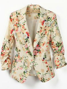 Floral blazer - I need this in my life. I love this blazer and If anyone knows me they know I usually HATE flower print, but pair this cute blazer with a mint green dress or coral colored top and It is a total Outfit Blazer Floral, Floral Jacket, Floral Blouse, Look Blazer, Blazer Jacket, Blazer Suit, Look Fashion, Trendy Fashion, Womens Fashion