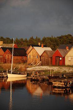 Gotland, Sweden. Kvällsljus by Flyfiction, vraiment pittoresque et un vrai rêve...