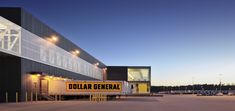 Dollar General Distribution Center / Leo A Daly : © Bill Baxley - Dollar General Distribution Center designed by Leo A. Parque Industrial, Industrial Architecture, Modern Industrial, Factory Architecture, Architecture Design, Warehouse Design, Facade Design, Dollar General, Polycarbonate Panels