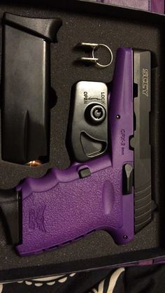 I'm not a fan of guns but this one is purple! The Purple, Purple Gun, All Things Purple, Shades Of Purple, Purple Stuff, Purple Colors, Or Violet, Ultra Violet, Armas Ninja