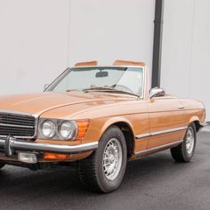 1973 Mercedes-Benz, 450SL  29900.00 USD  1973 Mercedes Benz 450 SL  Documented three owner car Resided with the same family for 33 years! Rare Byzatine Gold Metallic with Saddle Tan MB-Tex 4.5 liter 190hp V8 engine 4-Speed Automatic Transmission Power assisted steering and brakes Air conditioning  MotoeXotica Classic Cars is pleased to present this statuesque and rarely seen short bumper 1973 450SL with on ..  http://www.collectioncar.com/detailed.php?ad=58873&category_id=1