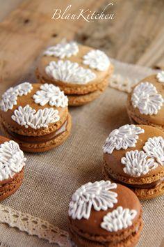Macarons & glace royale /  Macarons & royal icing