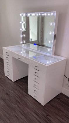 ZARA wall shelf + 2 drawers - Medina Vanity Note: Home hub Sure, home is where in actuality the heart is. Bedroom Decor For Teen Girls, Cute Bedroom Ideas, Cute Room Decor, Girl Bedroom Designs, Room Ideas Bedroom, Teen Room Decor, Vanity Makeup Rooms, Makeup Room Decor, Vanity Room