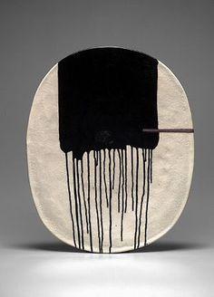 Jun Kaneko. Interesting glaze pattern