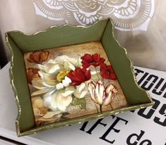 Decoupage Wood, Decoupage Furniture, Painted Furniture, Shabby Chic Farmhouse, Shabby Chic Decor, Sculpture Painting, Painting On Wood, Wood Creations, Tray Decor