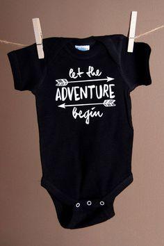 Let the Adventure Begin Bodysuit or T-Shirt por FirstLoveThreads