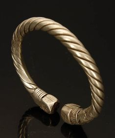 Twisted Viking silver arm ring, silver, presumably the first half of the Viking Jewelry, Ancient Jewelry, Viking Arm Rings, Mens Gold Bracelets, Silver Bangles, Ancient Vikings, Bronze Ring, Bracelet Designs, Leather Jewelry