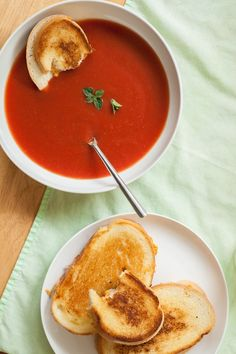 Copycat Campbell's Tomato Soup Recipe Copycat Soup Recipe, Copycat Recipes, Tomato Soup Recipes, Chili Recipes, Appetizer Recipes, Appetizers, Campbells Recipes, Great Recipes, Healthy Recipes