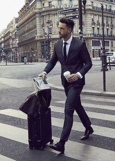 Suit: Calvin Klein Shoes: Hugo Boss more here Gentleman Mode, Gentleman Style, Business Attire For Men, Business Fashion, Formal Attire For Men, Business Casual, Mens Fashion Suits, Mens Suits, Fashion Shirts