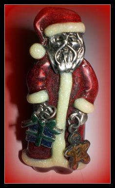Vintage Christmas Santa Claus Brooch/ Pin .
