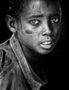 Eye Photograph - Ethiopian Eyes Bw by Husain Alfraid Portrait Poses, Portrait Art, African American Artwork, Black And White Face, Black Art, Face Study, Face Reference, Drawing Reference, Eye Photography