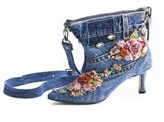 An absolutely adorable idea -jeans shoe purse! No tutorial