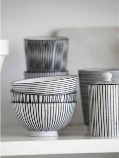 House Doctor - Set of 3 Porcelain Stripes Bowls - Black/White House Doctor, House Dr, Ceramic Bowls, Ceramic Pottery, Ceramic Art, Ceramic Mugs, Cerámica Ideas, Home And Living, Dinnerware